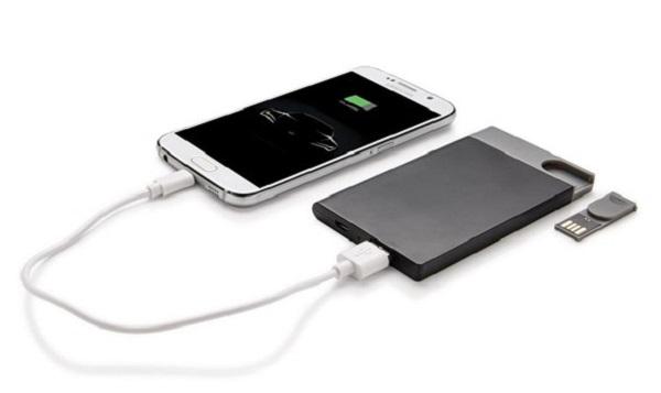 Power bank sottile da 2500 mAh con chiavetta USB 2.0 da 8 GB rimovibile